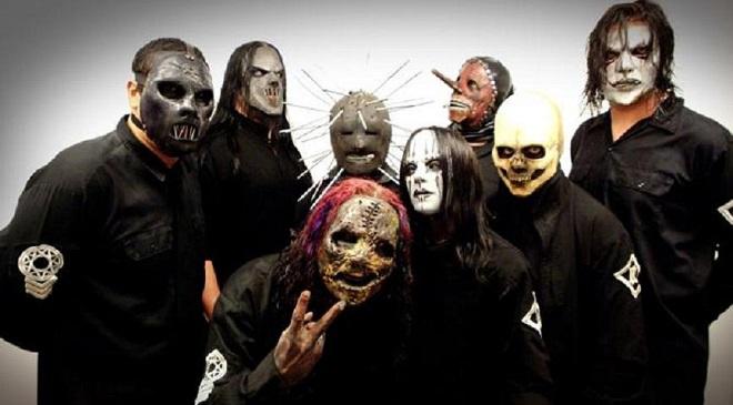 Похороны с элементами эротики в новом клипе Slipknot.