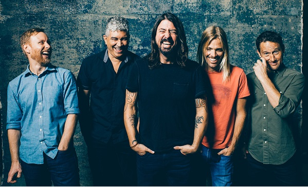 Foo Fighters поддержали Planned Parenthood.