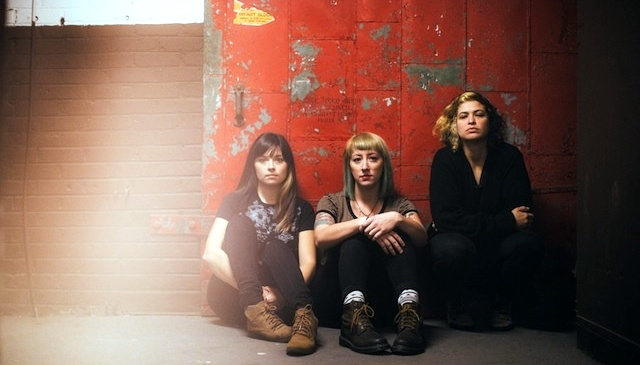 Новая песня и кавер от панк-девиц Cayetana.