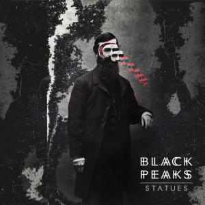 Black& Peaks - Statues