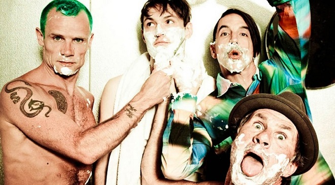 Концерт The Red Hot Chili Peppers возле пирамиды Хеопса.