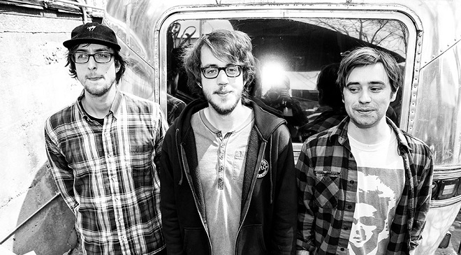 Новая песня Cloud Nothings.