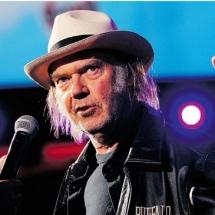Neil Young выпустит концертный альбом.