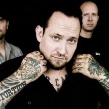 Поклонников отрыв показали товарищи из Volbeat.