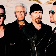 U2 устроили затмение.