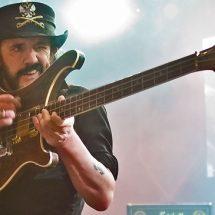 Гитарист Chris Declercq выпустил сингл, записанный вместе с Лемми.