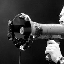 Майк Паттон исполнил песню Черепашек-Ниндзя.